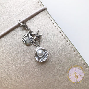 Clam Shell Planner Charm