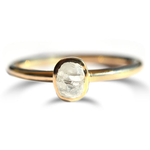 Rounded stacking ring in 14k white gold with single sapphire