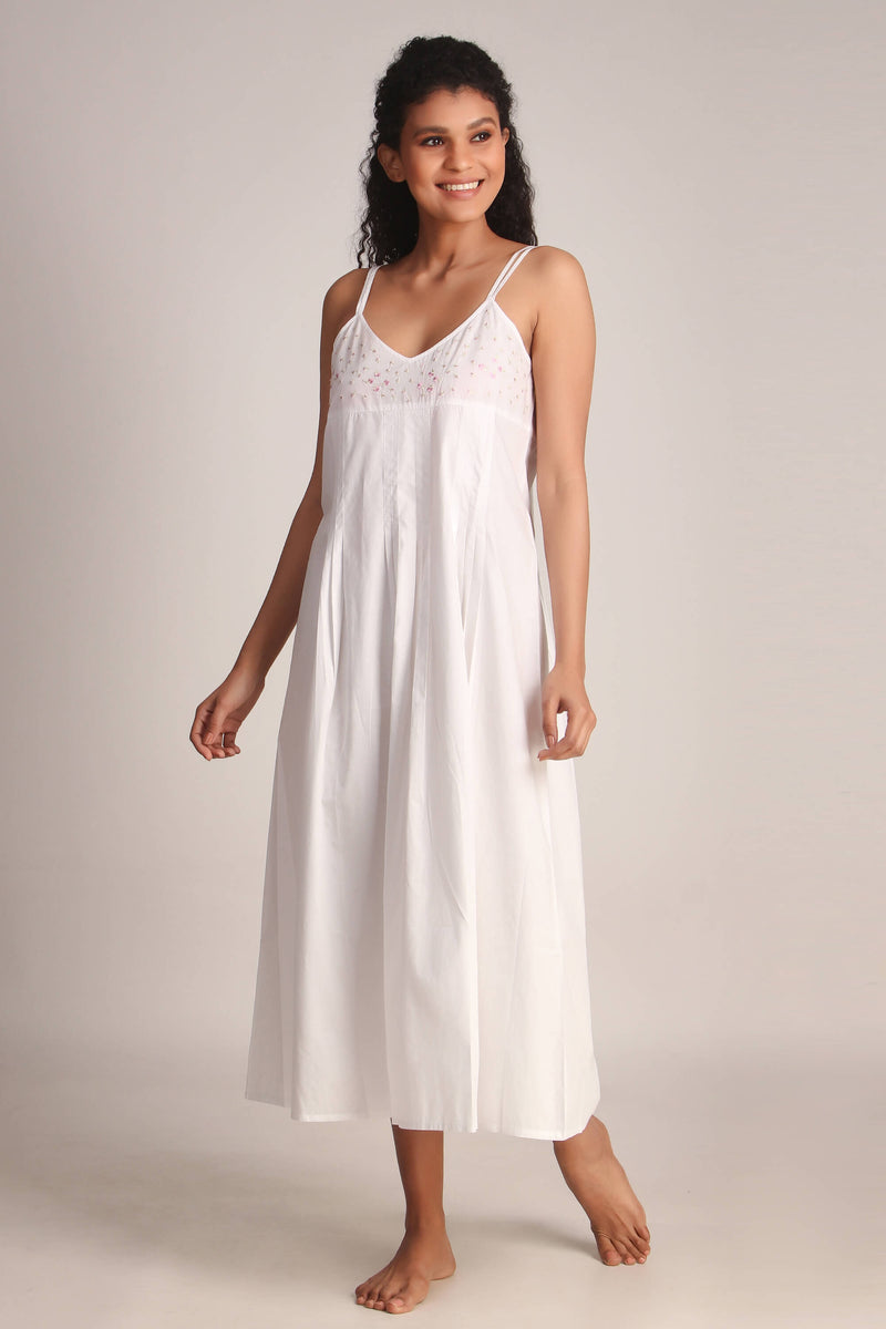 Luna, Nightdress & Gown