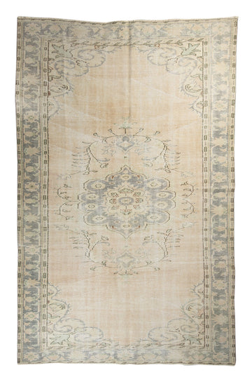 HANDMADE TURKISH VINTAGE RUG