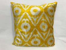 Load image into Gallery viewer, OLD GOLD - IKAT SILK/VELVET PILLOW