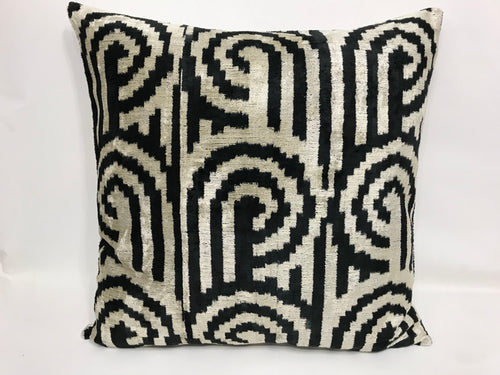 BLACK PEARL BOYNUZ L- IKAT SILK/VELVET PILLOW