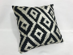 SILVER BLACK HAZE - IKAT SILK/VELVET PILLOW