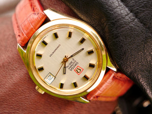 Omega F300 solid gold