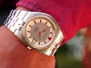 Omega Constellation F300 Rare D Shaped case