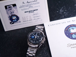 "Omega Speedmaster Snoopy ""Eyes on the stars"