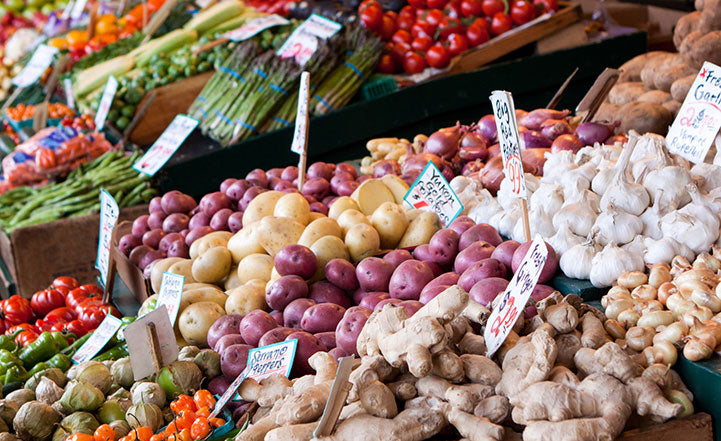 How to Navigate Your Farmer's Market Like a Chef