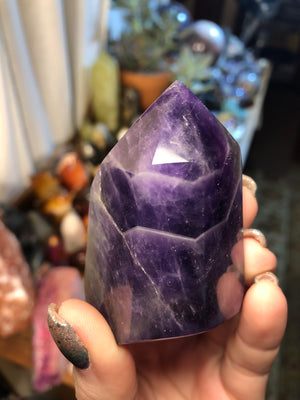 Amethyst tower self standing