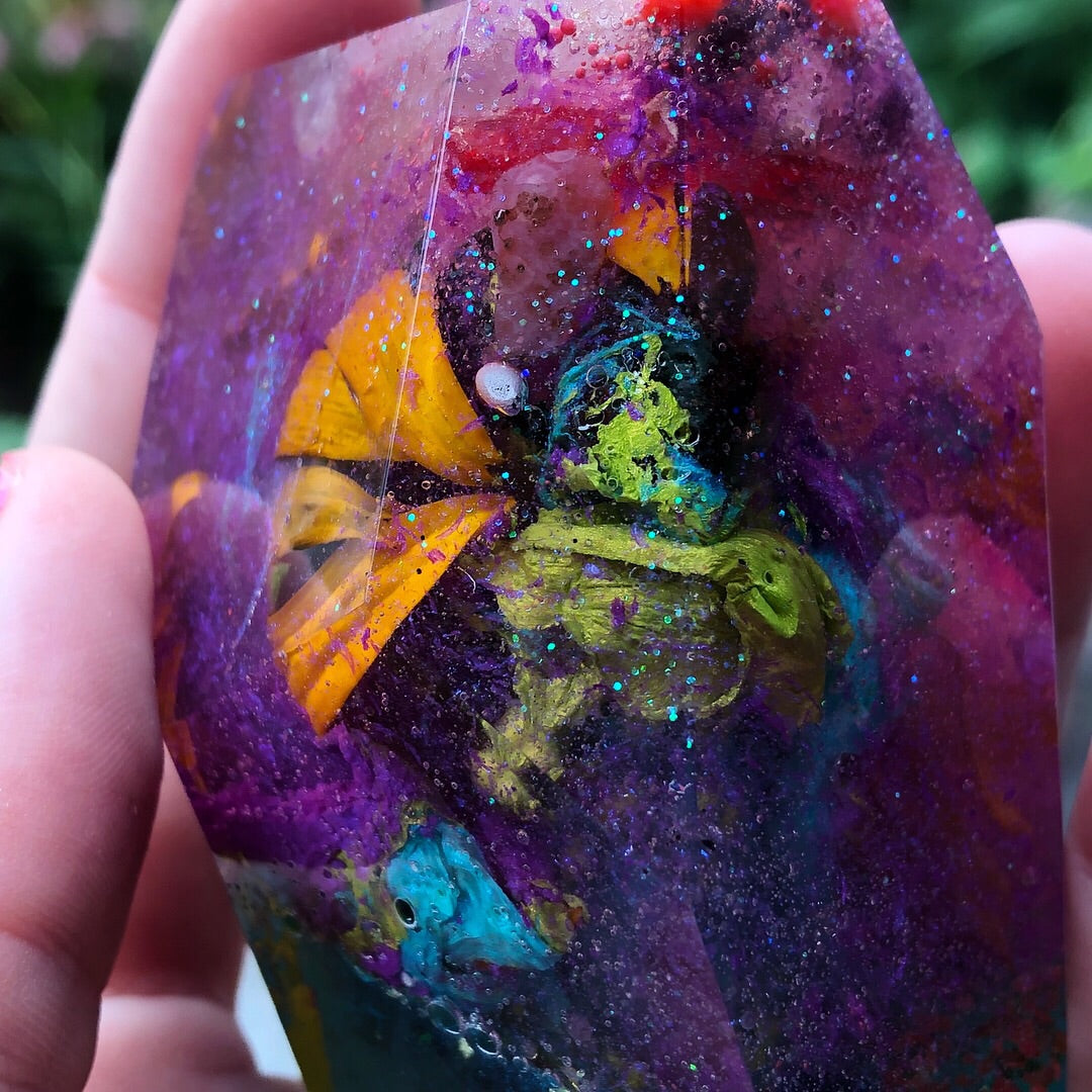 Reiki Orgone Resin Energy Generator with Flowers, Rose Quartz, Clear Quartz, & Amethyst - The Whimsy Crystal Shop