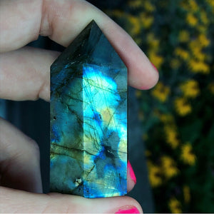 Rainbow Labradorite standing wand - The Whimsy Crystal Shop