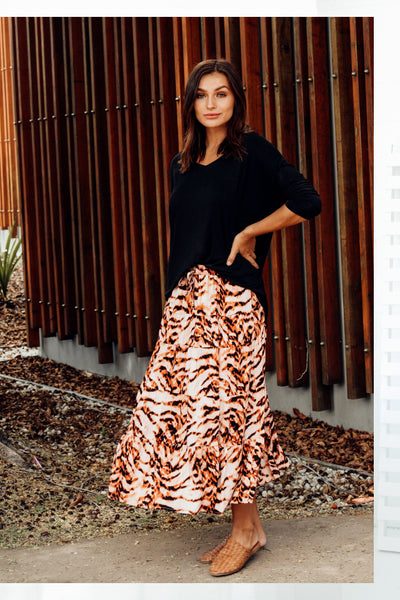 norabel rust tiered skirt bilboa black top