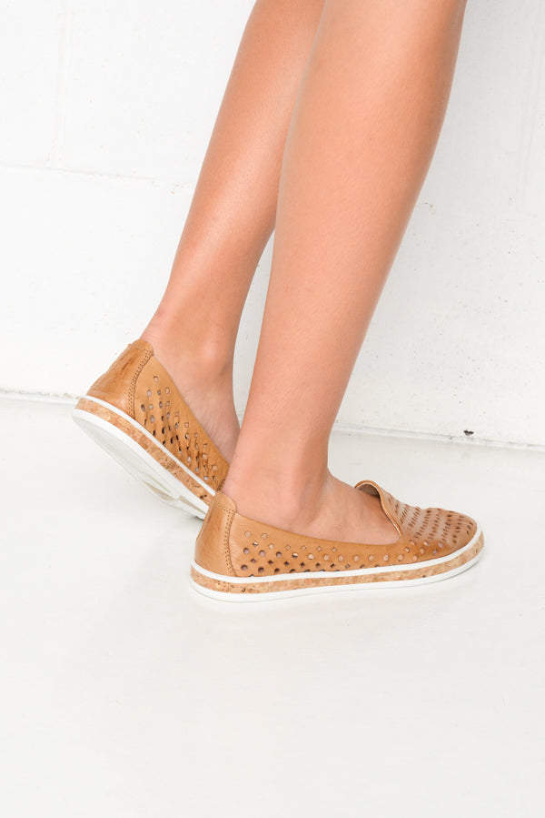 Grace Camel Leather Shoe - Blue Bungalow