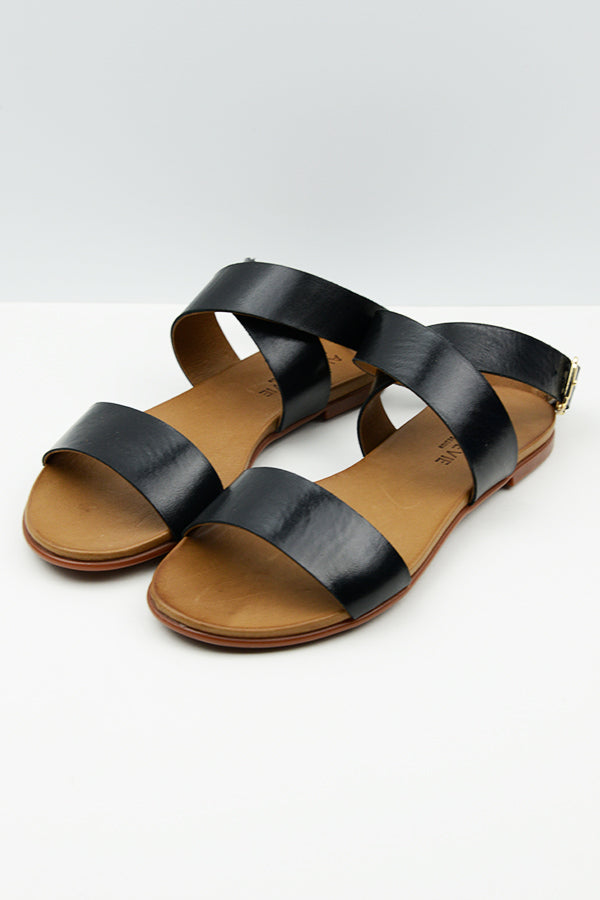 Black Lone Buckle Sandals - Blue Bungalow