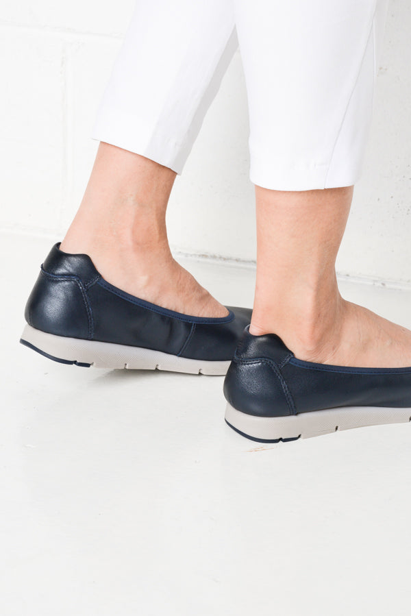 Aero Navy Leather Shoes