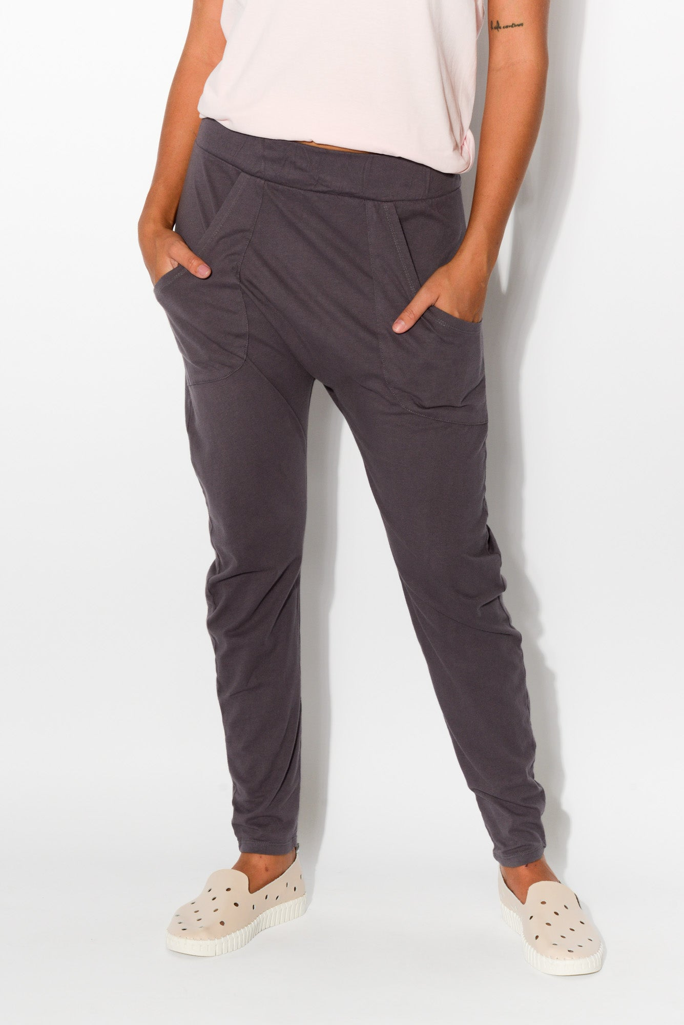 Charcoal Cotton Drop Crotch Pant - Blue Bungalow