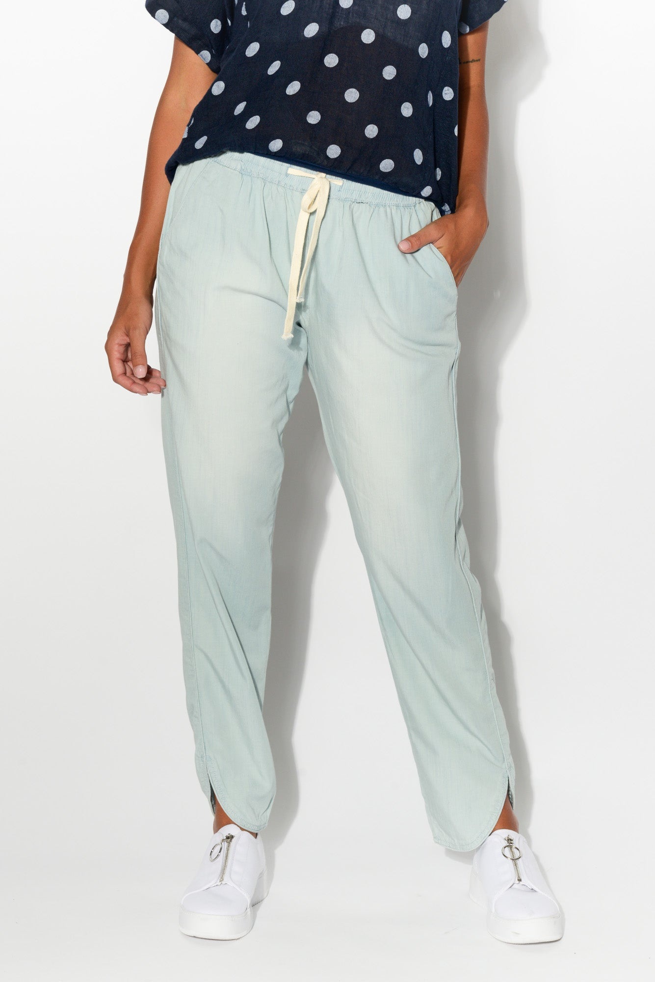 Chambray Curved Hem Pant - Blue Bungalow