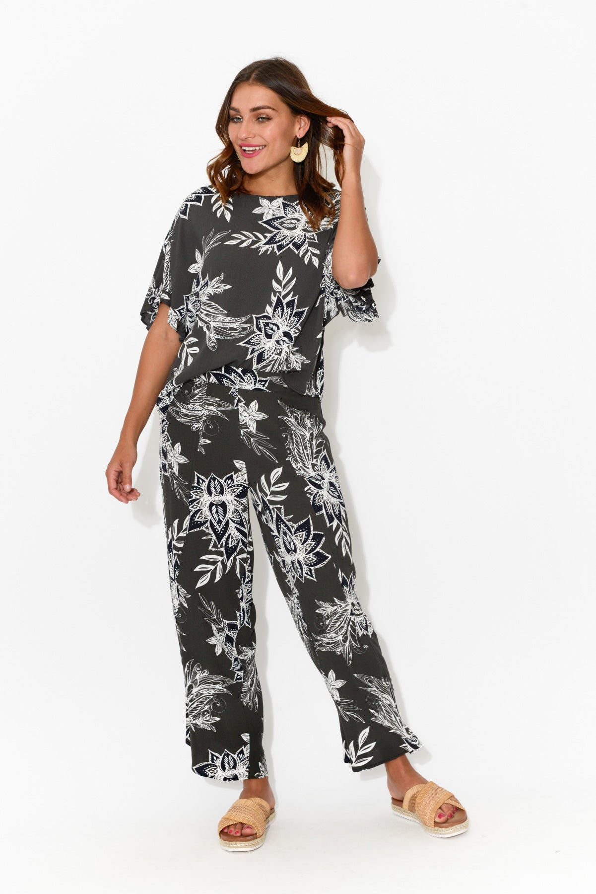 Black Paisley Cropped Pant - Blue Bungalow