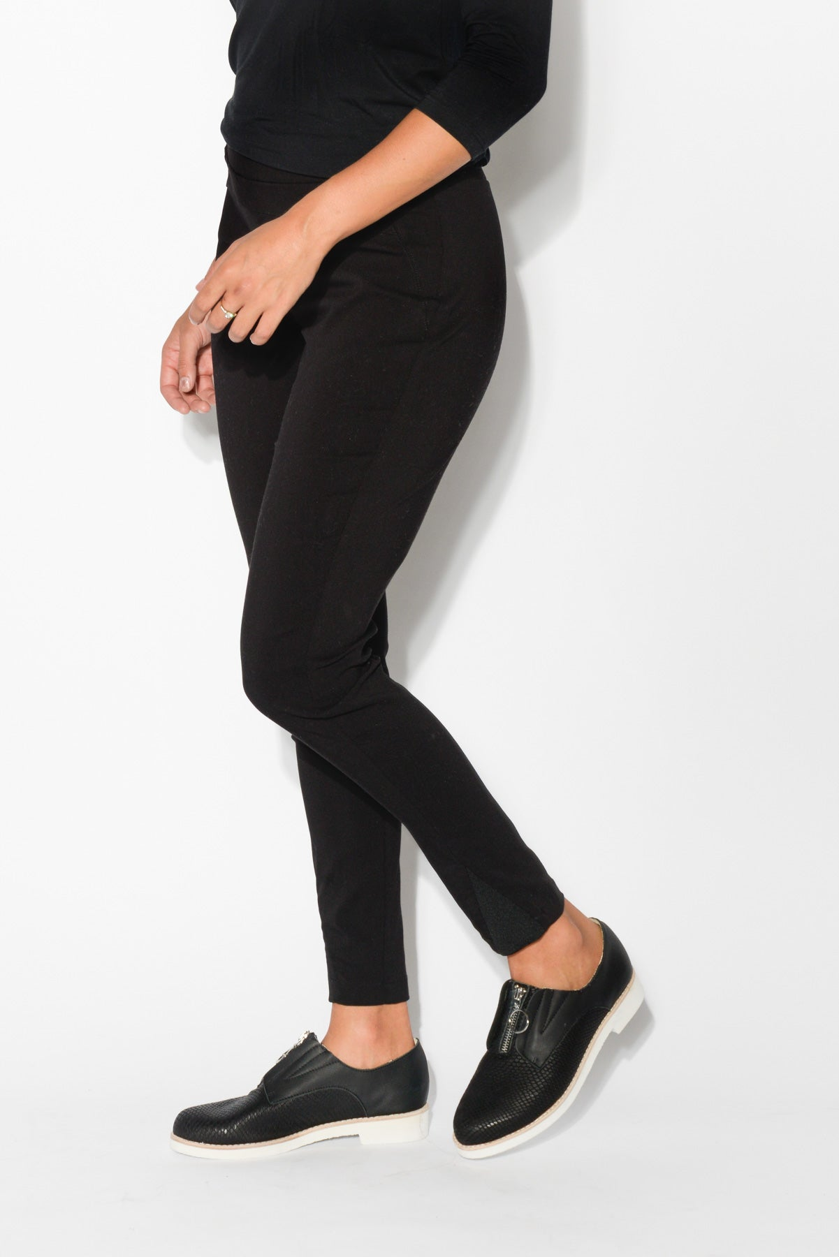 Black Straight 7/8 Pant - Blue Bungalow