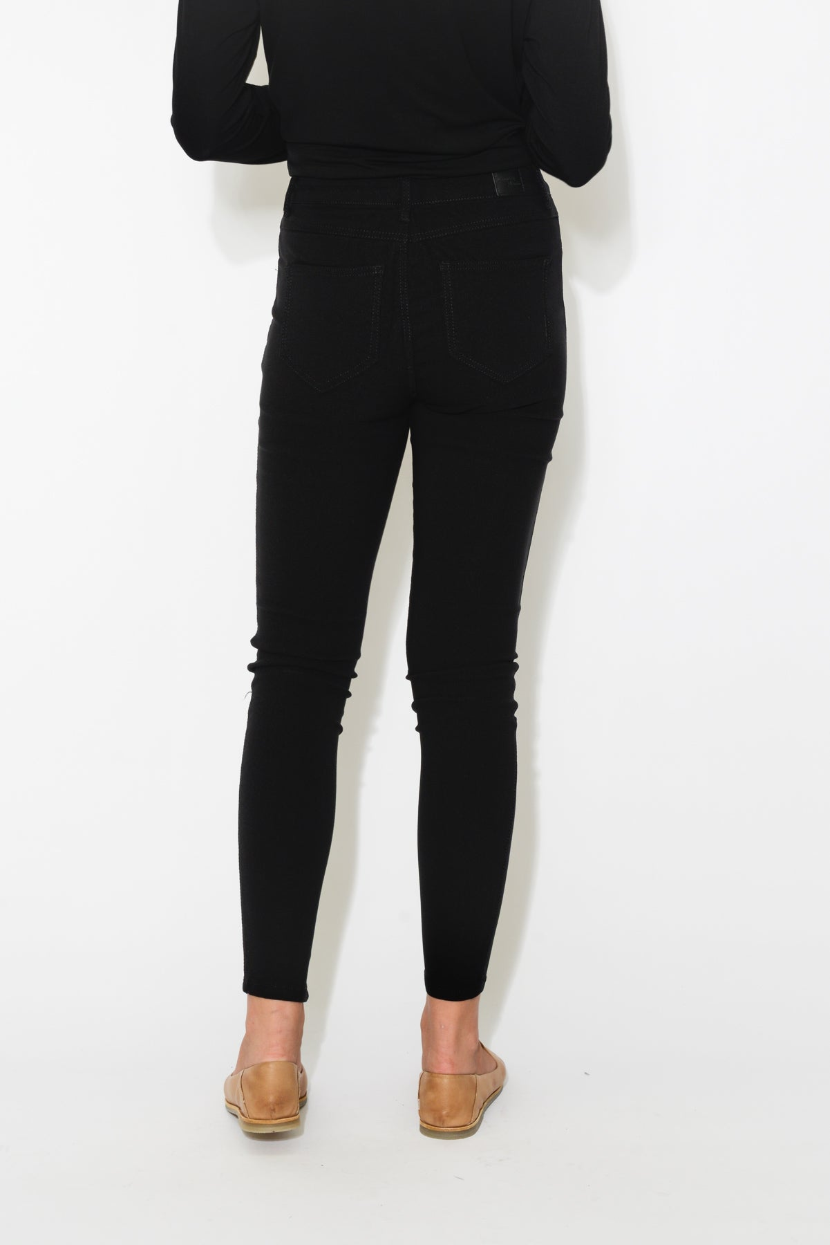 Black Super Stretch Jean - Blue Bungalow
