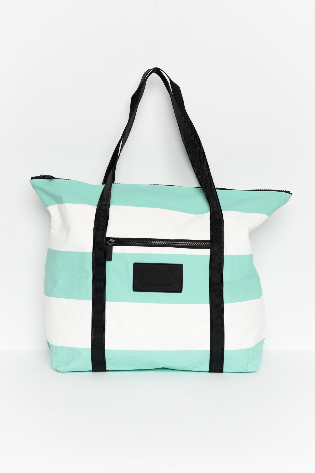 The Splash Proof Tote Bag travel product recommended by Leanne Thongthip on Lifney.