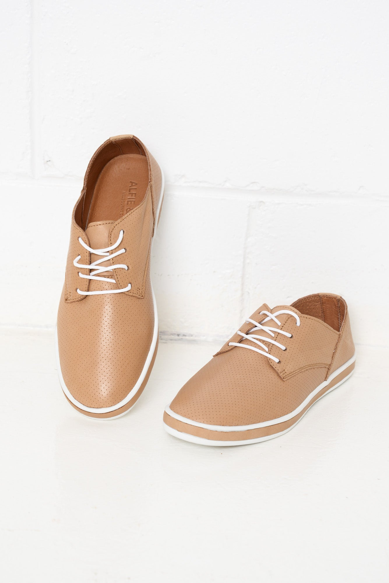 Gil Camel Leather Lace Up Shoe