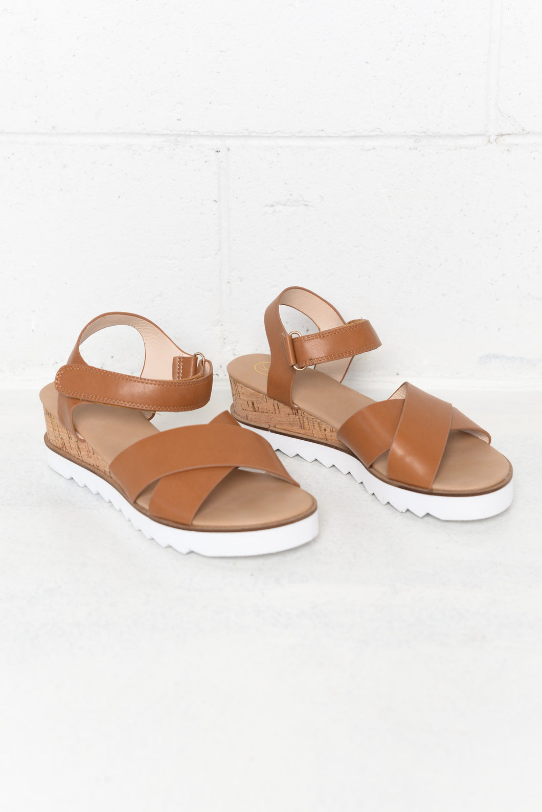 Mozlo Tan Wedge Sandal