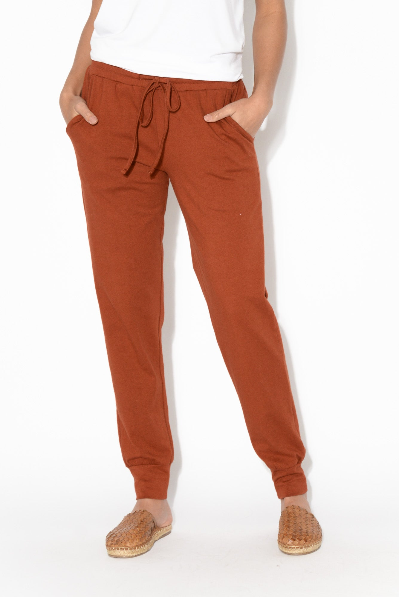 Rust Everyday Tie Pant