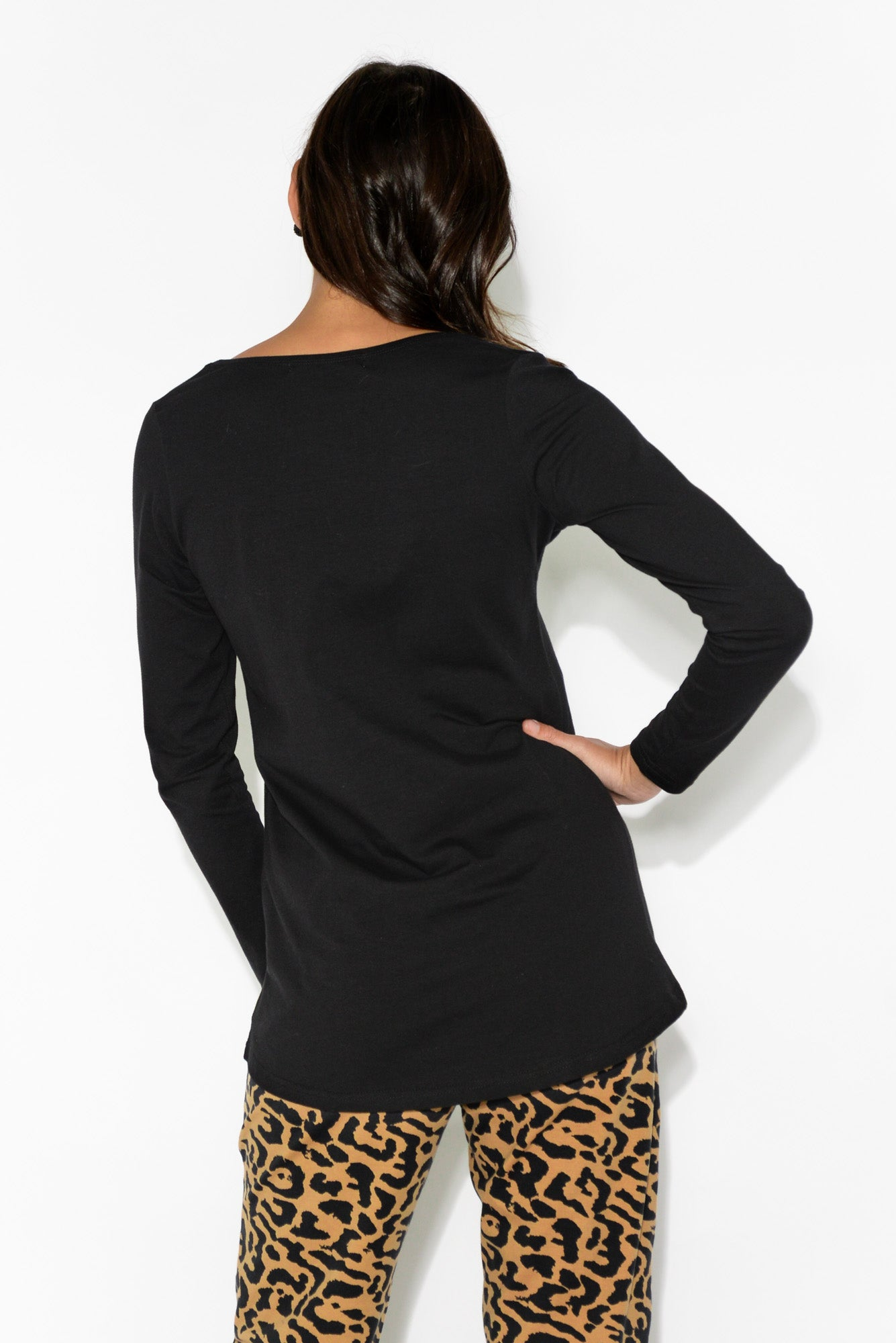 Shania Black Curved Hem Top