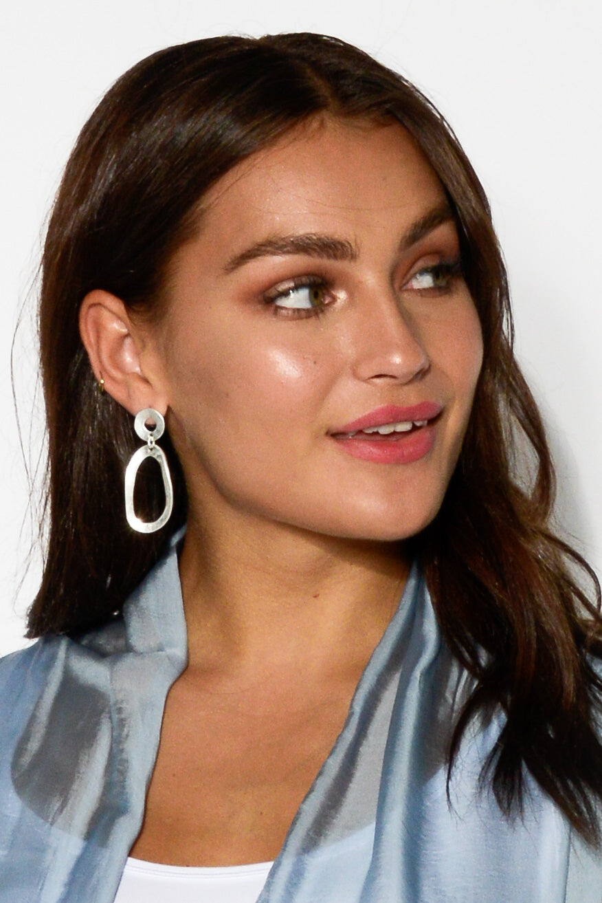 Tres Silver Oval Earring - Blue Bungalow