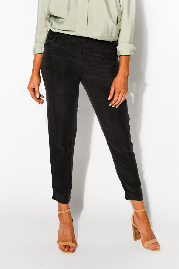 Black Aurelie Tapered Tailored Pant - Blue Bungalow