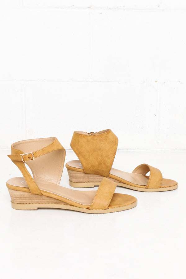 Orchie Tan Wedge Sandal - Blue Bungalow