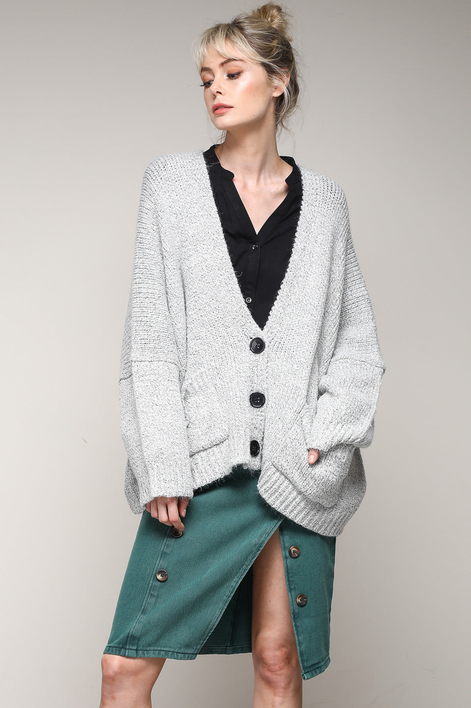 ce0750315d Women s Long Sleeve Chunky Knit Cardigan Sweaters Loose Outwear Coat With  Front pockets