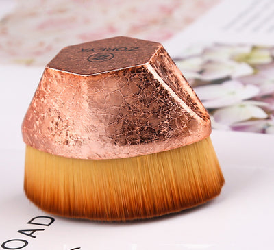 Magic foundation brush does not eat powder