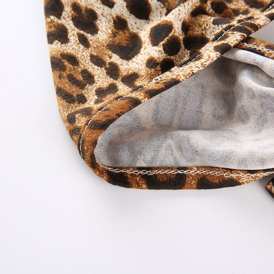 Leopard ring V-neck