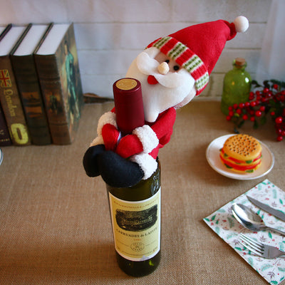 Christmas decorations, Santa Claus, red wine, red wine, champagne, wine bottle and bar dining room decoration