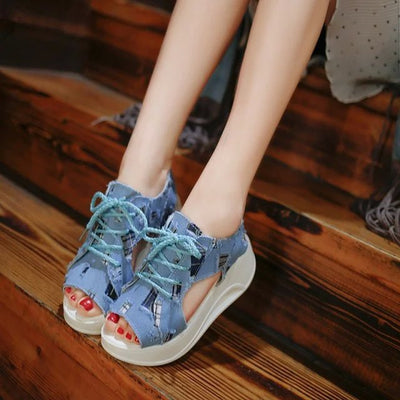 Student sandals 2020 spring Korean Edition fish mouth shoes denim thick bottom girl lace up and sponge cake ladies shoes