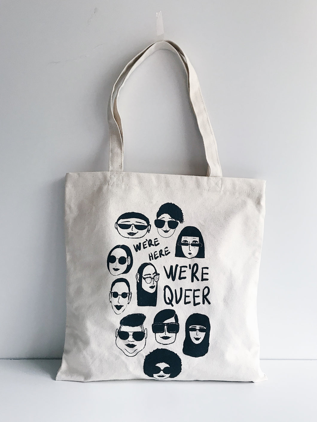 We're here we're queer - Sac naturel sérigraphié en coton bio