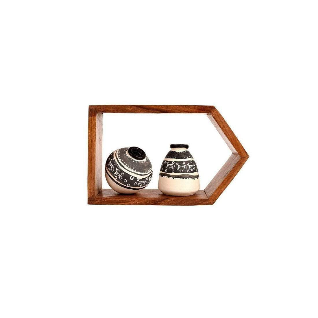 Wall Mounted Wooden Wall Shelf With Black And White Terracotta Vases