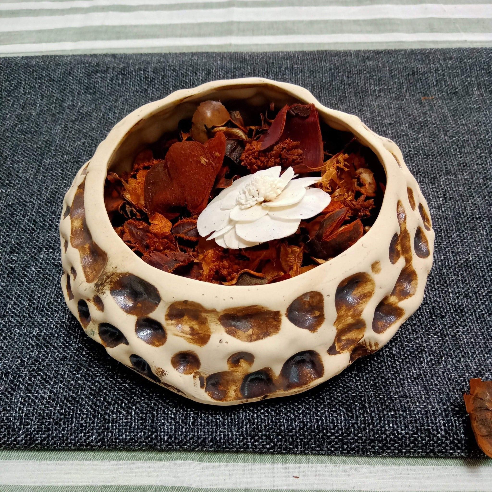 Handmade Ceramic Potpourri Decorative Bowl With Potpourri
