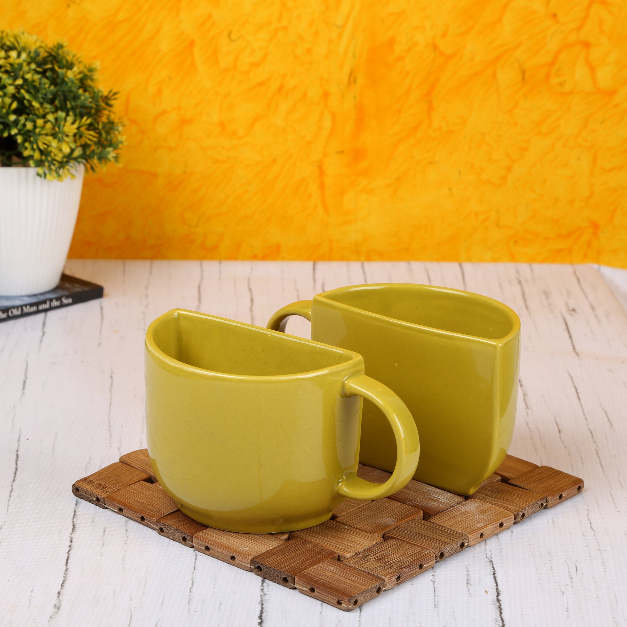 Ceramic Half Tea Cups Cum Coffee Mugs With Wooden Tray