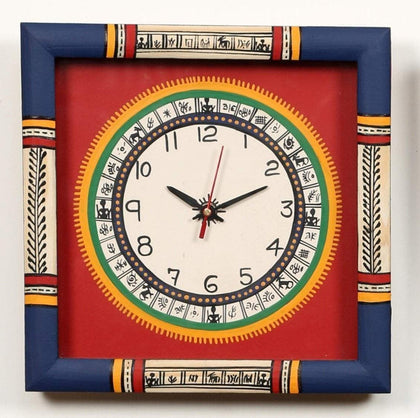 Artysta Traditional Wooden Wall Clock for Home