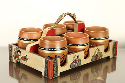 Hand Painted Wooden Tray With Six Terracotta Kulhads
