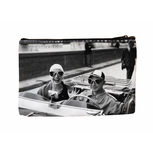 Couple in MG Cosmetic Case - ImageExchange