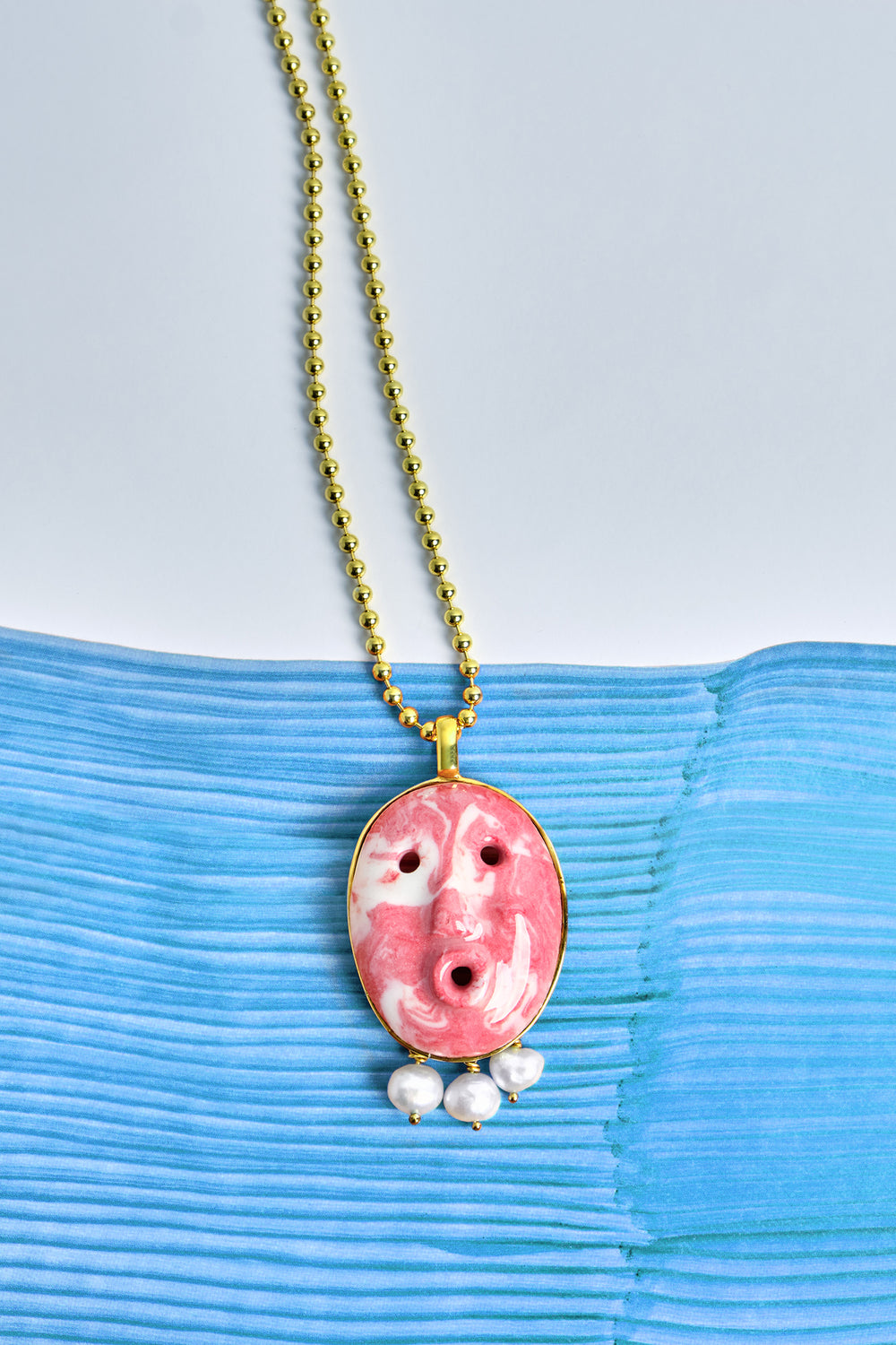 Lares necklace in red marble