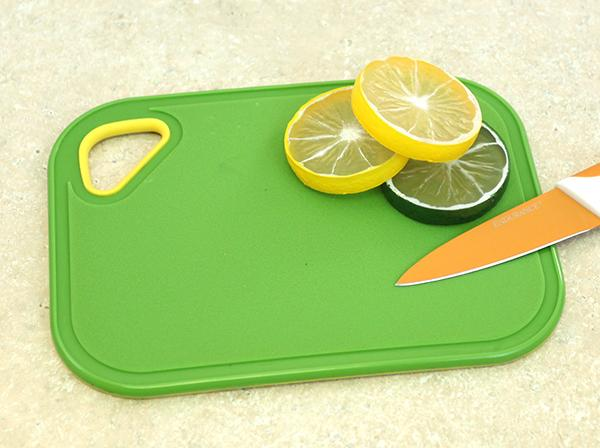 Non Slip Bar Cutting Board with Juice Groove