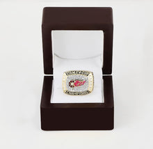 Detroit Red Wings Stanley Cup Ring (1998) - Premium Series - Championship Rings