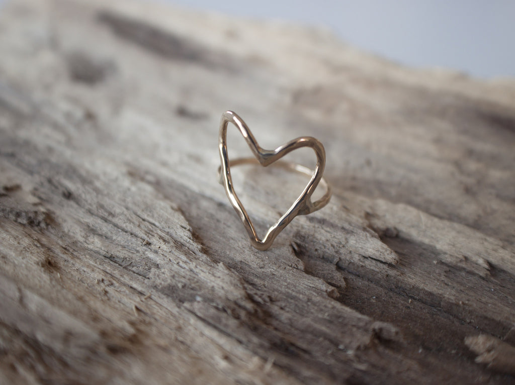 minimalist heart ring in gold by SFDesigns