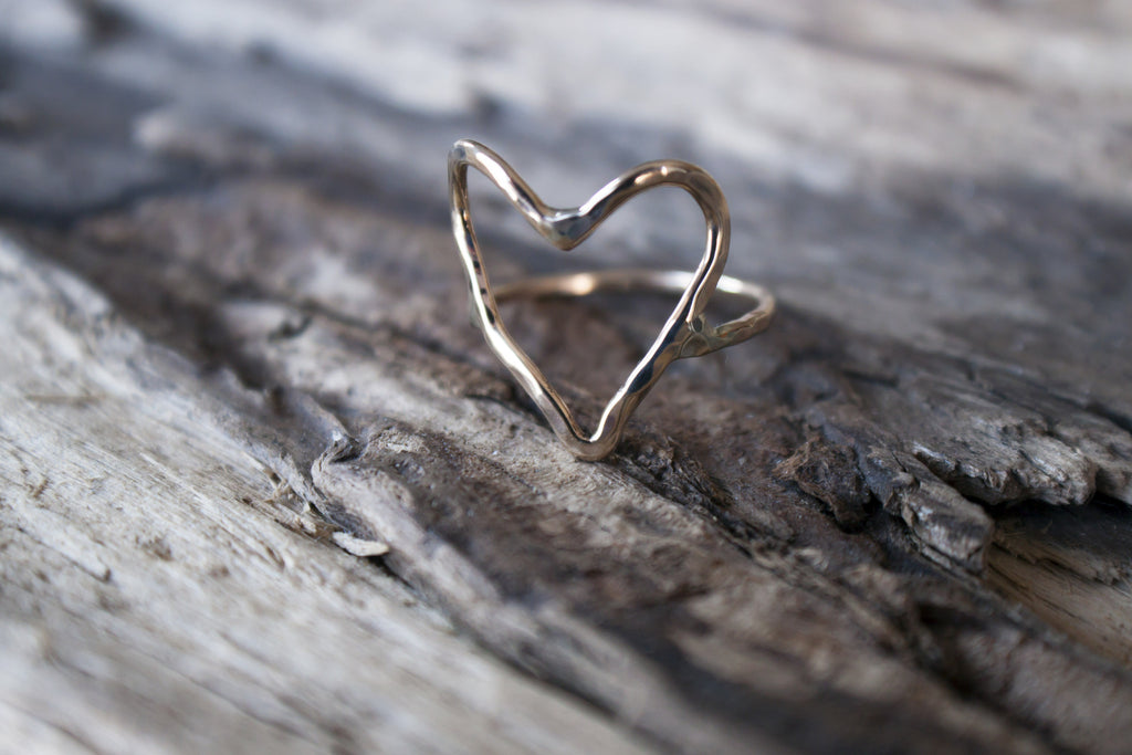 Simple Love - 10K gold heart ring