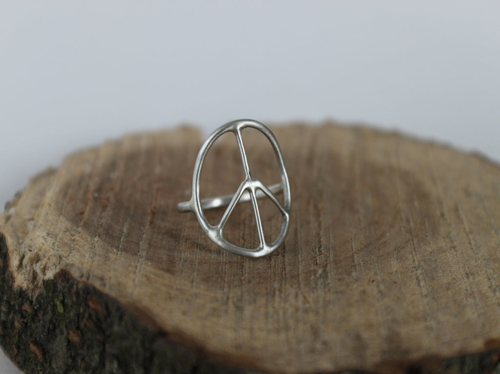 sterling silver peace sign ring. boho chic ring.