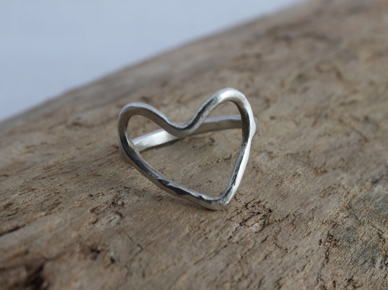 Simple Love - silver heart ring